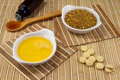 Продукты меда и пчелы Стоковые Изображения