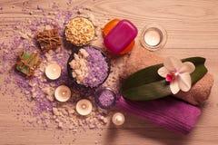 Продукты природы курорта Соль моря, scrub и ароматичное мыло Стоковая Фотография RF