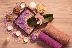 Продукты природы курорта Соль моря, scrub и ароматичное мыло Стоковые Фотографии RF
