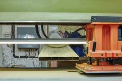 Продукция обуви Изображение полуавтоматной прессы стоковые фотографии rf