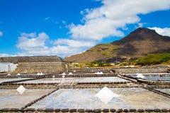 Продукция соли моря от вод Индийского океана в мамах стоковое фото rf