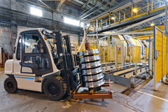 Продукция стальных колес поезда Стоковые Изображения RF
