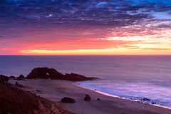 Продырявленный каменный пляж Стоковое Изображение RF