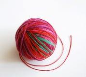 пряжа красного цвета шарика Стоковое Изображение