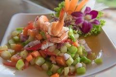 Пряная креветка и салат смешивания vegetable, тайская еда Стоковая Фотография
