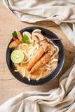 пряная лапша рамэнов udon креветок (Том Yum Goong стоковая фотография