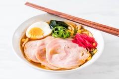 пряная лапша рамэнов udon мисо с свининой Стоковые Изображения