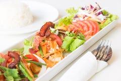 Пряная яичница, бекон и китайская сосиска стоковые фотографии rf
