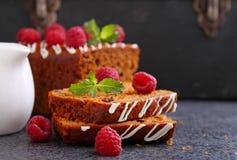 Пряник & x28; мед-cake& x29; с изюминками Стоковые Фото