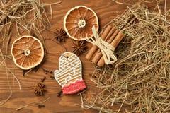 Пряник рождества на деревянной предпосылке Стоковое Фото