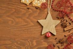 Пряник рождества на деревянной предпосылке Стоковые Изображения