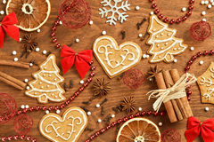 Пряник рождества на деревянной предпосылке Стоковые Фотографии RF