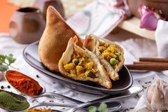 Пряное индийское samosa Стоковое фото RF