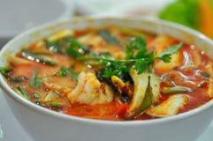 Пряное kung супа или Tom yum, пряный суп креветки стоковые фотографии rf