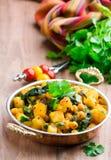 Пряное vegetable тушёное мясо с карри и шпинатом Стоковая Фотография RF