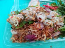 Пряное withOyster салата в меню Таиланда Стоковое фото RF