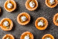 Пряные tartlets тыквы Стоковые Изображения RF