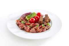 Пряный ростбиф при свежие изолированные овощи стоковые фотографии rf