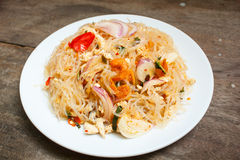 Пряный салат лапши или пряный салат вермишели стоковая фотография