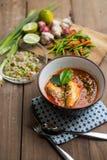 Пряный салат скумбрий в томатном соусе Стоковые Фотографии RF