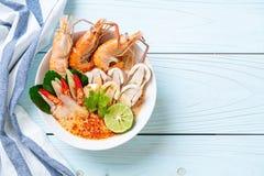 пряный суп креветок (Том Yum Goong стоковая фотография