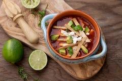 Пряный суп Tortilla цыпленка Стоковые Изображения