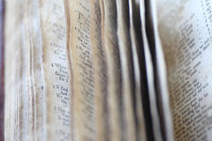 Псалмы в винтажной книге стоковая фотография rf