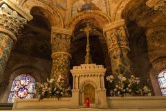 Пуатье, Франция - 12-ое сентября 2016: Внутри церков St Стоковые Фото