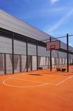 Публика спорта баскетбольной площадки внешняя Стоковые Изображения