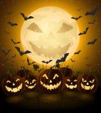 Пугающая ноча хеллоуина, фонарики jack o Стоковые Изображения