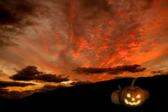 Пугающее backgroung хеллоуина с тыквой Стоковое фото RF