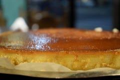 Пудинг домодельного хлеба с ванильным вкусом в баре ресторана стоковое изображение rf