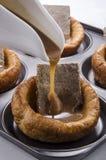 Пудинг Yorkshire с зажаренной в духовке говядиной Стоковые Изображения RF