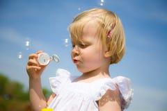 пузыри дуновения стоковое фото rf