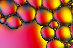 Пузыри мыла с красочной предпосылкой стоковое изображение rf