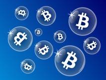Пузыри Bitcoin на голубой предпосылке Стоковое фото RF