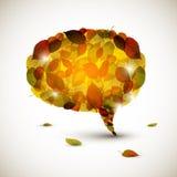 Пузырь речи сделанный из красочных листьев осени Стоковое фото RF