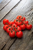 2 пука красных томатов вишни Стоковые Изображения RF