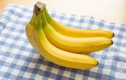 Пук бананов в свете окна Стоковые Фото