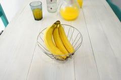 Пук бананов в шаре стоковая фотография rf