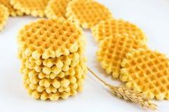 Пук золотых испеченных waffles Стоковые Изображения RF
