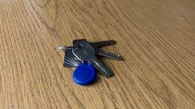 Пук ключей на таблице сток-видео