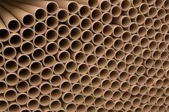 Пук коричневого промышленного бумажного ядра Много ядри бумаги или бумажные трубки стоковое изображение rf