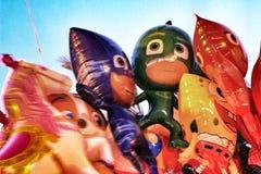 Пук красочных воздушных шаров в форме кукол стоковые изображения rf