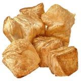 Пук малого квадратного печенья слойки Zu-Zu сезама изолированный на белой предпосылке Стоковое Изображение