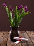 Пук пурпуровых тюльпанов Стоковые Изображения