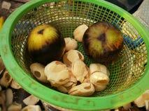 пук плодоовощ сидя на таблице Стоковое Изображение RF