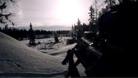 Пулемет в ландшафте зимы стоковые изображения rf