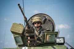 Пулемётчик подготавливает снять пулемет NSVT 12 7 Стоковая Фотография RF