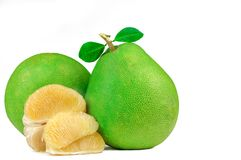 Пульпа помела без семян изолированных на белой предпосылке Плодоовощ помела Таиланда Естественный источник витамин C и калия Здор стоковое фото rf